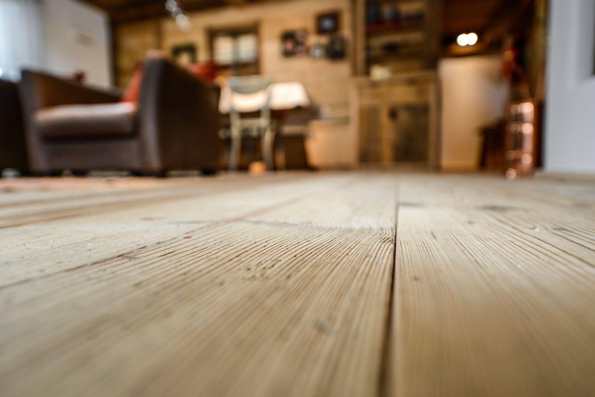 Houten Vloer Onderhoud : Onderhoud houten vloer den haag de vloerspecialist